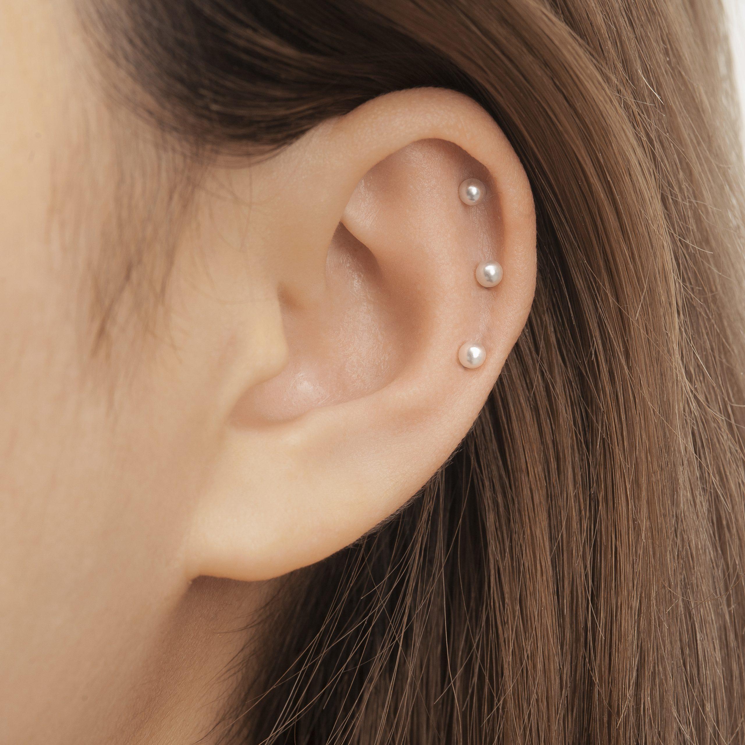 Triple Helix Piercing (vị trí xỏ khuyên 3 lỗ sụn vành tai)